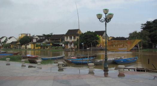 Рыбацкие лодки в Хойане