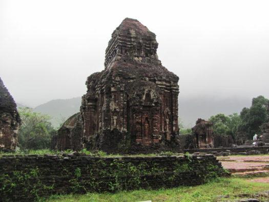 Храм комплекса Мишон