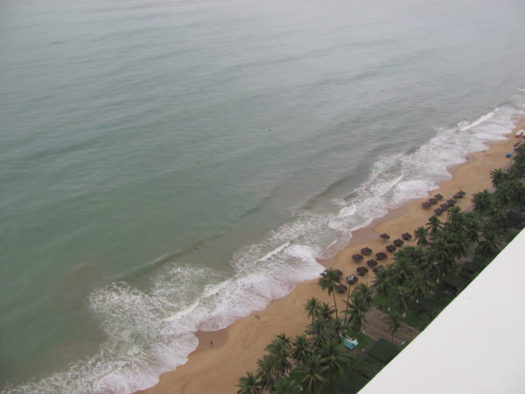 Вид на береговую линию с 28 этажа отеля Шератон