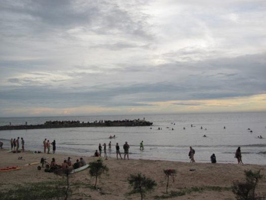 Серферы ловят ветер, Муйне, Вьетнам