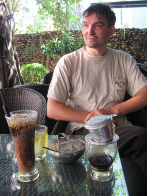 Белый кофе и кофе в фине