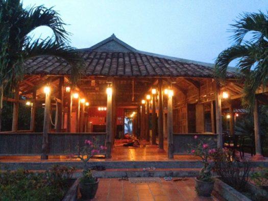 Йога-дом на горе, Муйне, Вьетнам