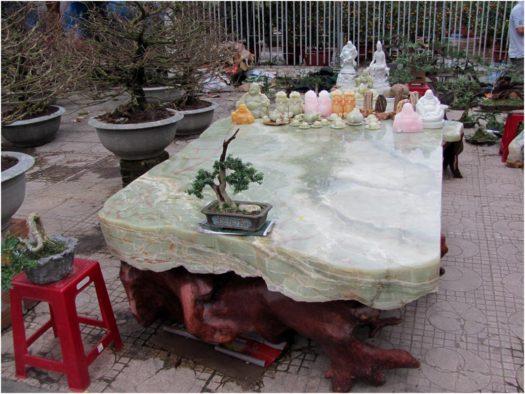 Резьба по мрамору, Нячанг