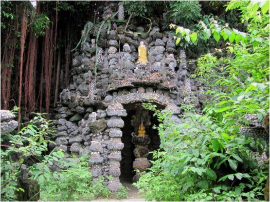 Вход в Лабиринт Дракона, пагода Từ Vân, Камрань