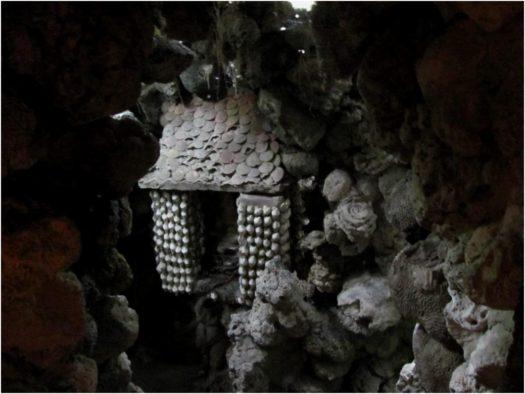 Внутри Лабиринта Дракона пагоды Từ Vân, Камрань
