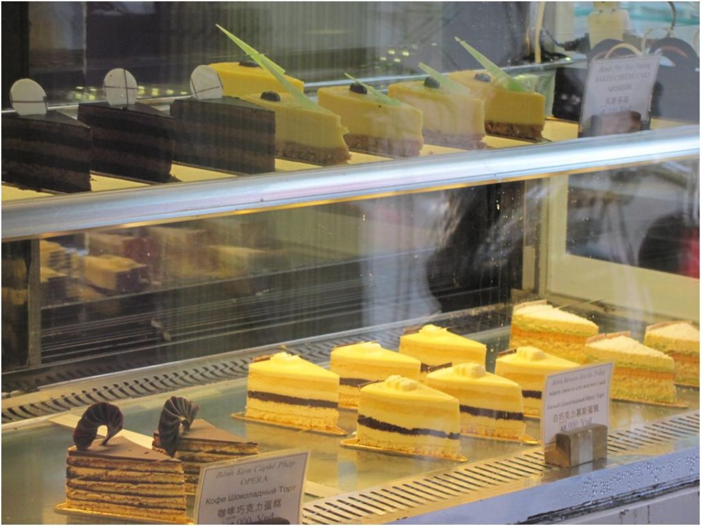 Пирожные в May bakery, Нячанг