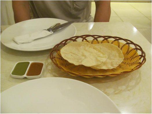 Приветственный комплимент в Yashoda Indian Restaurant, Нячанг