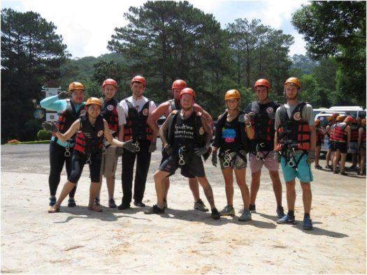 Группа на каньонинге в Далате, Вьетнам
