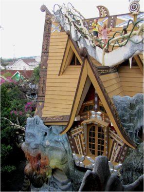 Одна из избушек в составе Крейзи Хаус (Crazy House), Далат, Вьетнам