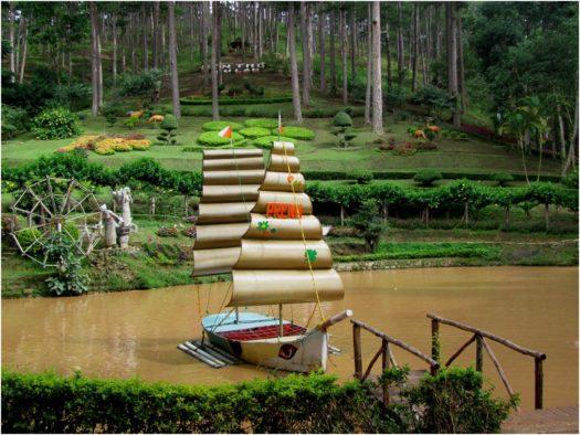 Ландшафт в парке при водопаде Пренн, Далат, Вьетнам