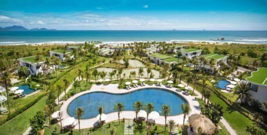 Территория отеля Cam Ranh Riviera Beach and SPA 5*