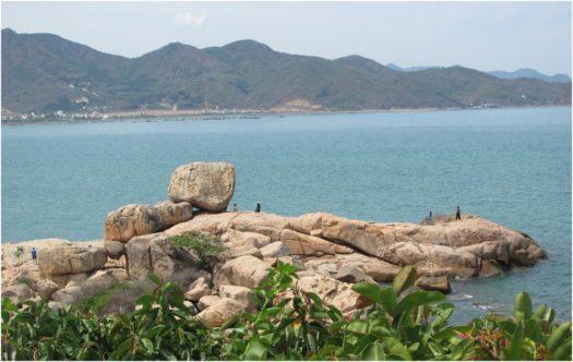 Сад камней Хон Чон в Нячанге