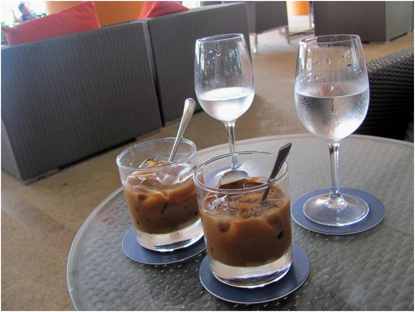 Кофе в кафе Toastina отеля Sheraton