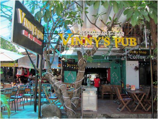 Vinny's Pub в Нячанге