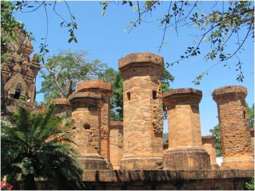Чампские башни Понагар в Нячанге