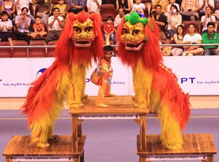 Танец Льва во Вьетнаме