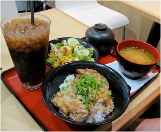 Свинина с рисом в Sukiya