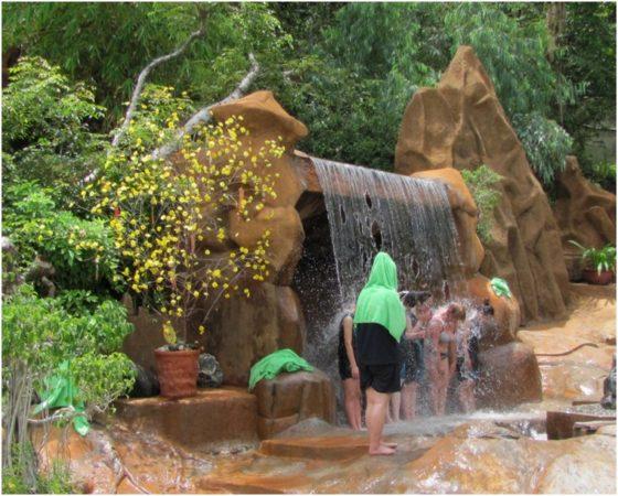 Водопад на территории Mud Bath Thap Ba Nha Trang